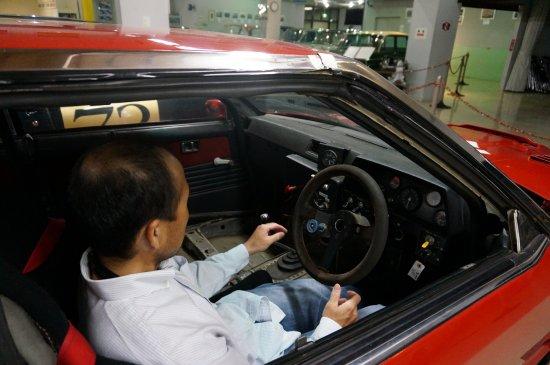 Okaya, Japonya: レース仕様の車にも乗って写真がとれる