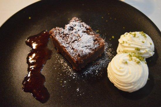 Aars, Danimarca: Brownie med glass som efterrätt