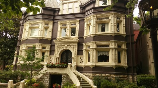 Conrad-Caldwell House Museum (Conrad's Castle): Other Amazing homes in this area.Many are now two families.
