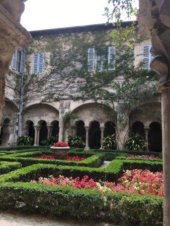 Saint-Remy-de-Provence, ฝรั่งเศส: St. Paul de Mausole