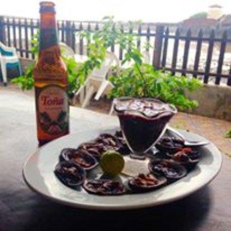 Las Penitas, Νικαράγουα: a famosa cerveja tona e concha negra, almoço com vista