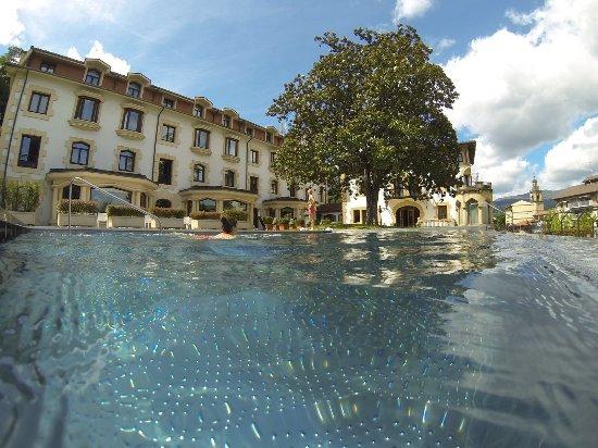 Durango, Spanje: Piscina exterior y terraza