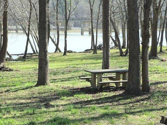 Lexington, Carolina del Norte: picnic tables
