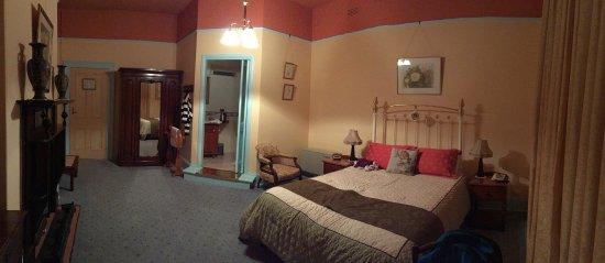 Glen Osborne House: Lily room