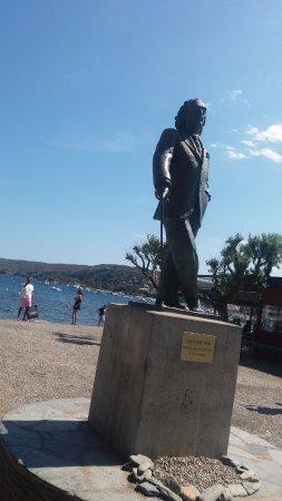 Estatua de Salvador Dali