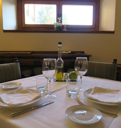 Navarredonda de Gredos, İspanya: Presentación de la mesa