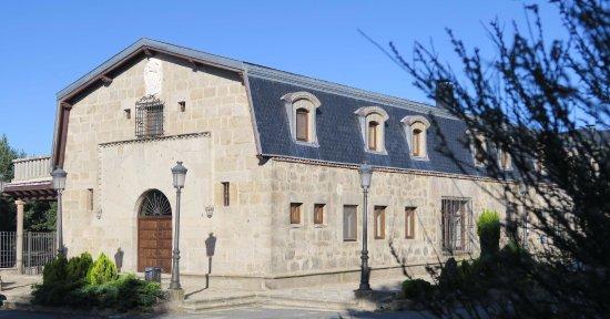 Navarredonda de Gredos, İspanya: Parte de la fachada