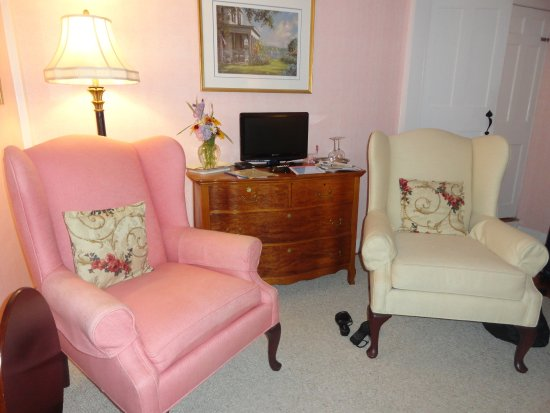 The Blushing Oyster Bed & Breakfast: photo2.jpg