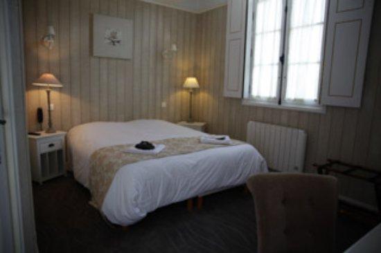 Mosnes, Prancis: Chambre supérieure