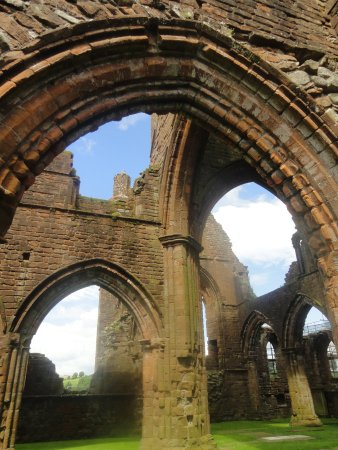 New Abbey, UK: Supports