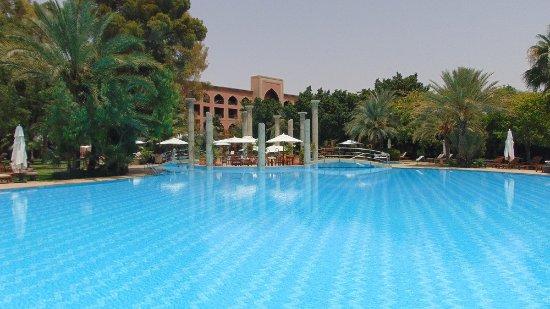 Es Saadi Marrakech Resort - Palace: une partie de la piscine