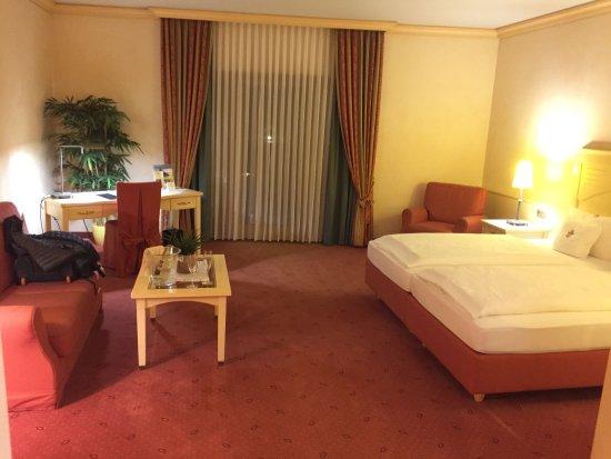 Ringhotel Winzerhof: schönes großes und sauberes Zimmer