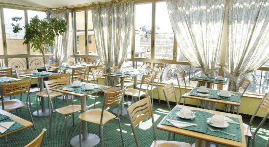 Tritone Hotel: breakfast