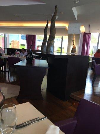 فندق ميديا وان: Media One Hotel Dubai
