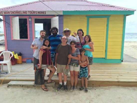 Caye Caulker, Belize: The whole crew with Caveman himself!