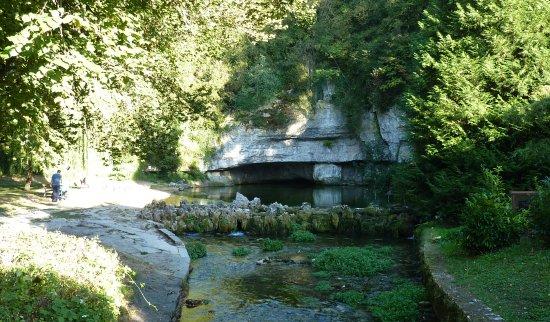 Chatillon-sur-Seine, Prancis: Les sources de la Douix, lieu d'histoires et de légendes