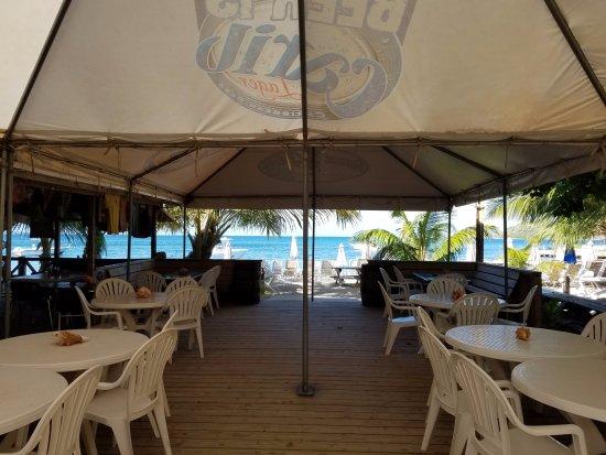 Cockleshell Beach: Reggae Beach Bar! Great Drinks, Food, & Music!