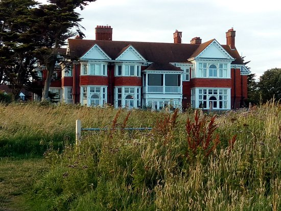 Milford on Sea, UK: The Beach House rear view
