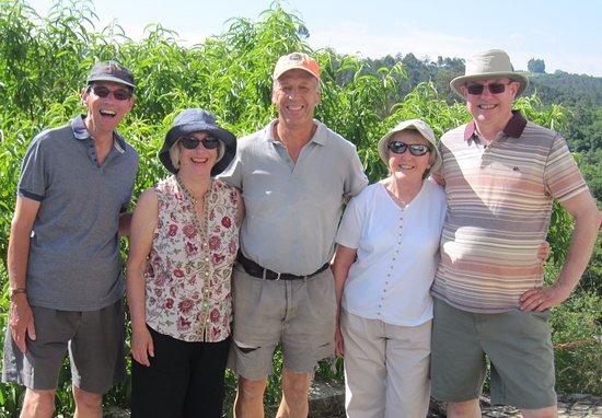 Parada de Gonta, Portugal: Helping with Hugh's vines