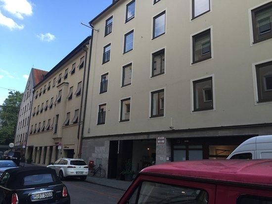 cortiina hotel bewertungen fotos preisvergleich m nchen deutschland. Black Bedroom Furniture Sets. Home Design Ideas