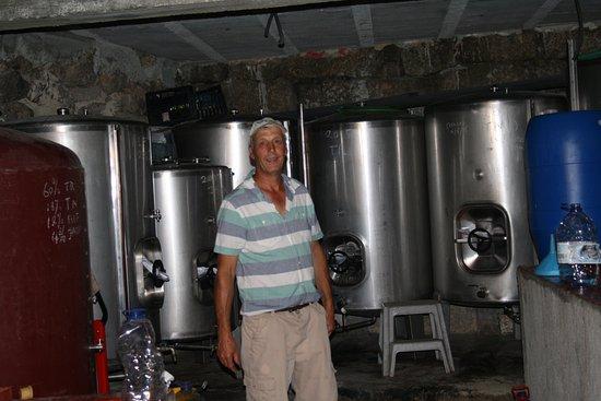 Parada de Gonta, Portugal: Hugh with his wine!