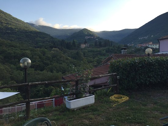 Agriturismo Locanda del Papa: Views from the garden