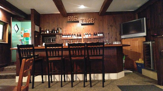 Hob Knob Inn: Breakfast in the Bar in the lower building