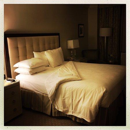Warwick New York Hotel: comfortable bed