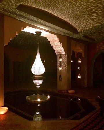 Hammam of La Maison Arabe : Beautiful candle-lit space.