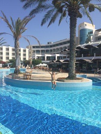 Constantinou Bros Athena Beach Hotel: photo7.jpg