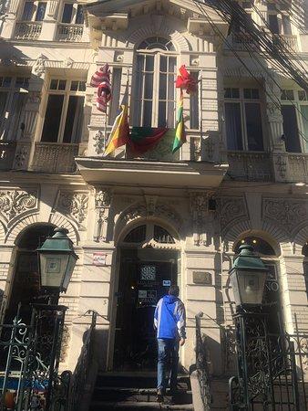 Casa Prado Suites Hotel: Ubicación céntrica