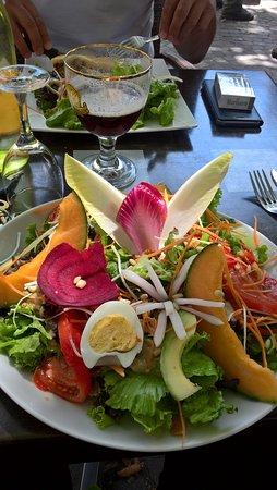 Privas, France : salade vegetarienne