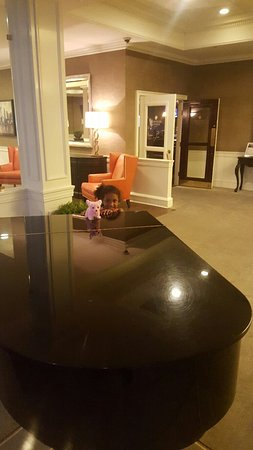 Ethan Allen Hotel: 20160717_200831_large.jpg