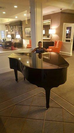 Ethan Allen Hotel: 20160717_200800_large.jpg