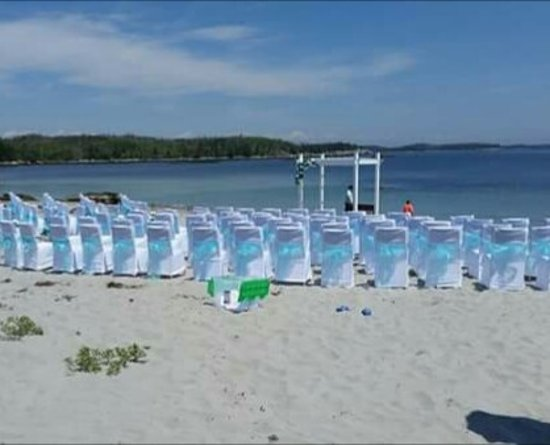 Spry Bay, Καναδάς: Wedding set up.... beautiful white sand...amazing place! A special place to have a wedding!!!