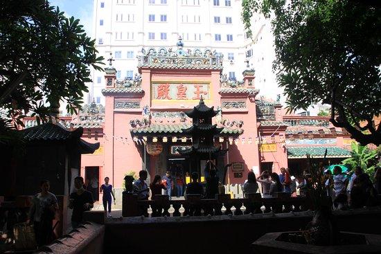 Emperor Jade Pagoda (Chua Ngoc Hoang or Phuoc Hai Tu): Jade Emperor pagoda