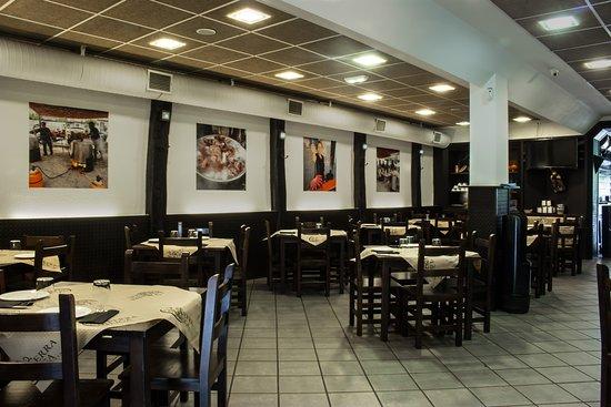 Zona de comedor: fotografía de Terra Meiga Pulperia - Granda, Oviedo ...