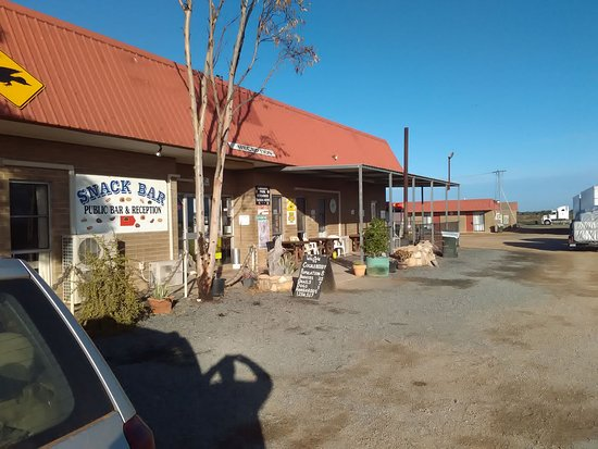 Eucla, Australie : front of roadhouse