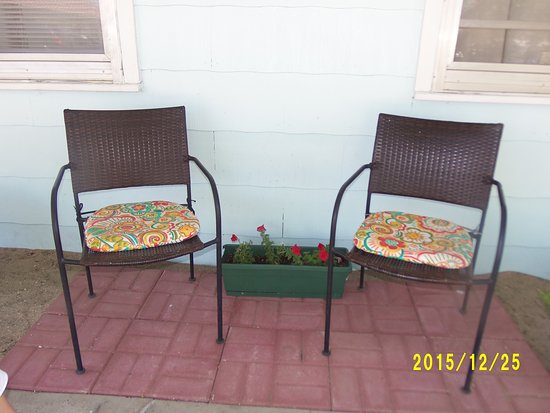 Greybull, WY: outside seating