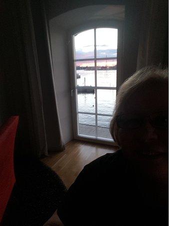 Elite Hotel Marina Tower: Fönstren som ni ser går ända ner