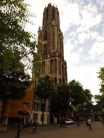 Dom Tower: torre