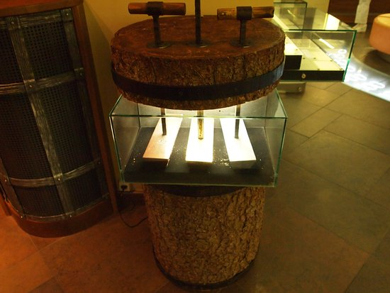 Money Museum of the Bank of Lithuania: Make money