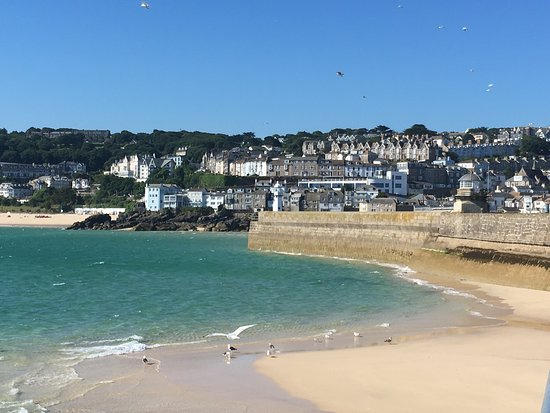 Cornerways B&B: Fabulous holiday in St Ives; tasty food, great B&B and spectacular views from our bedroom window