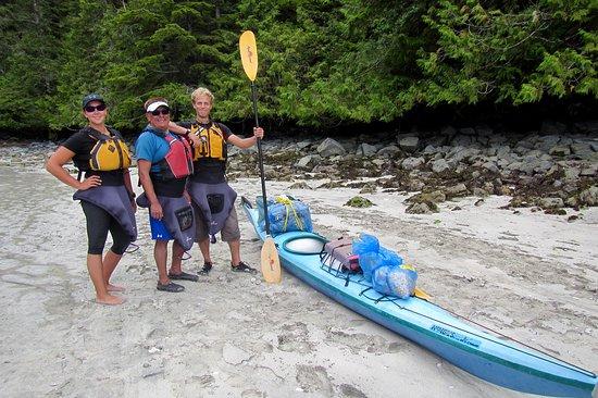 Sechelt, Kanada: Happy Guides at Talaysay