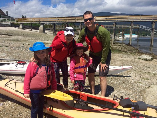 Talaysay Tours: Family Friendly safe kayak experiences - Indian Arm