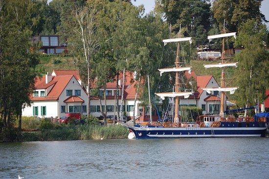 Hotel Amax : Ansicht vom See