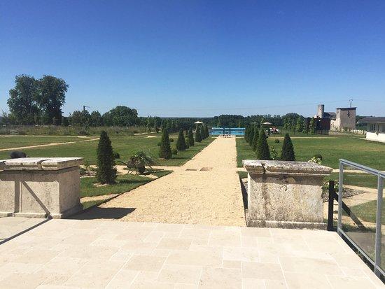 Vernantes, França: l'arrière du château