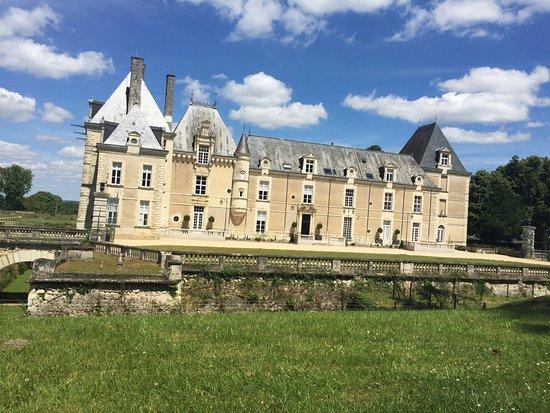 Vernantes, França: la vue à couper le souffle en arrivant
