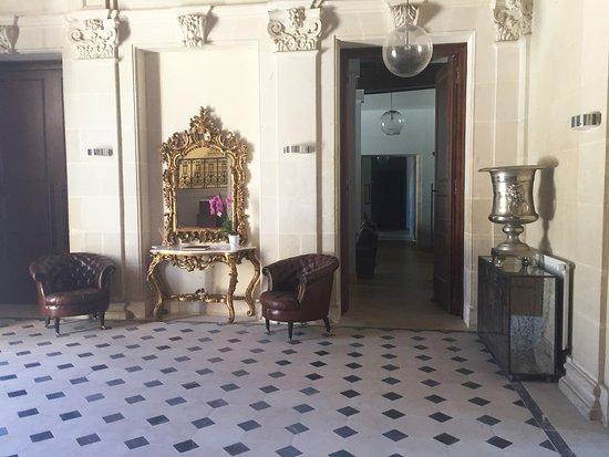 Vernantes, França: le hall d'entrée