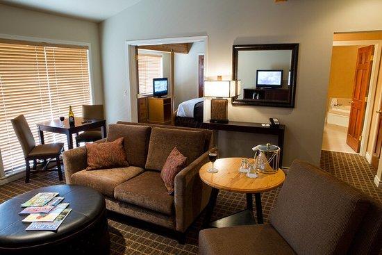 Pine Ridge Inn: photo1.jpg